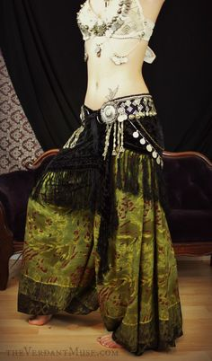 Bellydance Harem Pants <3 swoon! <3 how gorgeous are these!!!! (wish the bra matched)
