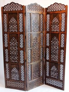 New Wooden Folding Screen Spaces 17 Ideas Folding Screen Room Divider, Room Divider Shelves, Sliding Room Dividers, Folding Screens, Aluminum Screen Doors, Wooden Screen Door, Arabesque, Middle Eastern Decor, Dressing Screen