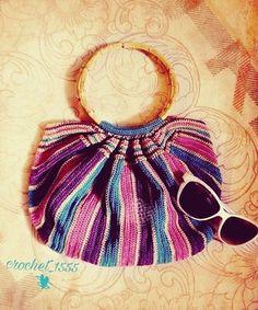 حقيبة نسائية  #حقيبة #شنطه #كروشية #كروشيه #مرأة #المرأة #ستايل #موديل #الوان #حب #عشق #crochet_woman #croche #crocheted #crochet_bag #crochet_bags