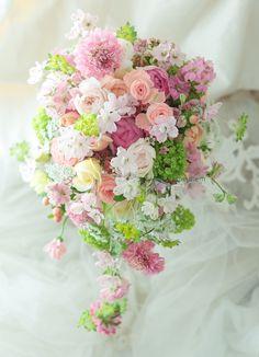 ピンクのブーケ 横浜ロイヤルパークホテル様へ バラことぶき : 一会 ウエディングの花