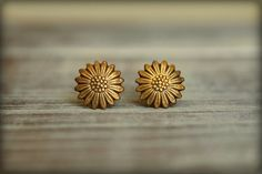 Smooth Sunflower Stud Earrings, Available in Aged Brass, Antiqued Silver, Matte Silver, and Rose Gol Gold Rings Jewelry, Jewelry Design Earrings, Gold Earrings Designs, Jewelry Box, Gold Jhumka Earrings, Antique Earrings, Stud Earrings, Antique Jewelry, Gold Ring Designs