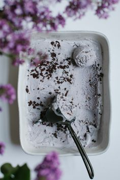 Lavender Ice Cream with Chocolate Tahini Bits Golubka Kitchen Gelato, Frozen Desserts, Frozen Treats, Lavender Ice Cream, Lavender Recipes, Vegan Ice Cream, Ice Ice Baby, Homemade Ice Cream, Kermit