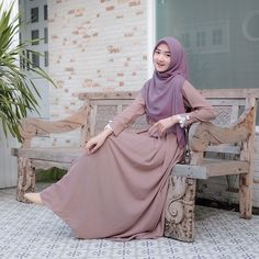 Casual Hijab Outfit, Ootd Hijab, Hijab Chic, Muslim Fashion, Hijab Fashion, Diy Fashion, Fashion Dresses, Gamis Simple, Teenage Girl Photography