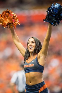 Cheerleaders Players Up Do Nfl Hook With