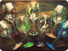 Custom designed, hand painted wine glasses by Makikisart