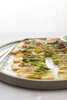 Simple comme des pancakes aux jeunes oignons Kimchi, Pancakes, Sans Gluten Sans Lactose, Comme, Simple, Food, Rice Flour, Onions, Drizzle Cake