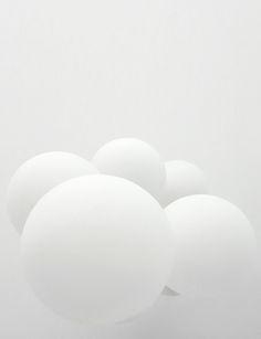Giant white balloons to create clouds ; All White, White Art, Pure White, White Light, Snow White, Corporate Design, Art Blanc, Blanco White, White Balloons