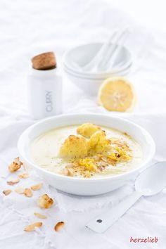 Blumenkohlsuppe mit Curry und Joghurt von  herzelieb  Blumenkohl, Curry, einfach, Joghurt, Kartoffel, Knoblauch, leicht, lowcarb, Rezept, Suppe, vegetarisch