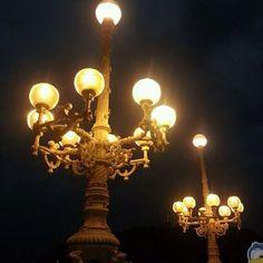 Running away from the darkness... | Huyendo de la oscuridad...