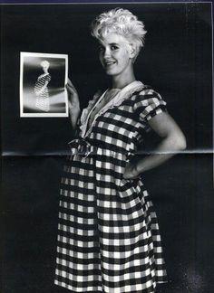 Paula Yates (Pregnant with Fifi) . S)