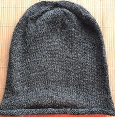 Hand-knitted hat in grey pure alpaca for men and women Winter Is Coming, My Ebay, Mittens, Hand Knitting, Cowl, Knitted Hats, Pure Products, Accessories, Women