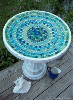 New Glass Bird Bath Mosaic Birdbath Ideas Mosaic Crafts, Mosaic Projects, Mosaic Art, Mosaic Glass, Pebble Mosaic, Stained Glass, Outdoor Crafts, Outdoor Projects, Outdoor Decor