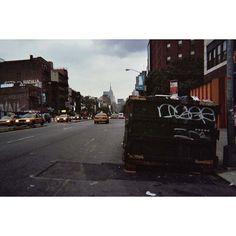 #Herokid Artist Series 2/11 x Iser  Empezó a pintar en 1997 convirtiéndose así en uno de los escritores más prolíficos y de mejor calidad de la Ciudad Condal. Desde entonces Iser ha tocado diversas disciplinas dentro del graffiti pero lo que jamás ha dejado de hacer es firmar. Sus tags han viajado de Barcelona a Nueva York y su aportación va más allá de la acción en las calles con uno de los grupos más potentes de la escena local: @topdogsclub. #herokidwings