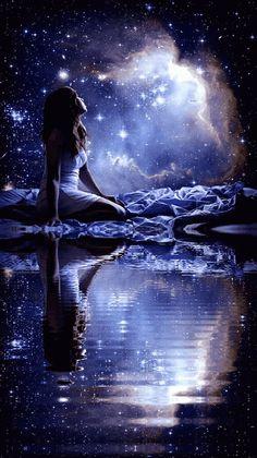 ราตรีสวัสดิ์ค่ะ Beautiful Fantasy Art, Beautiful Moon, Gifs, Magical Photography, Romantic Paintings, Shoot The Moon, Twilight Pictures, Gif Animé, Animated Gif