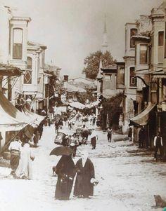 Osmanlı dönemi Üsküdar çarşısı.