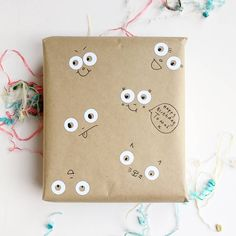 Need an emergency wrapping paper solution? Hole reinforcers and plain paper seem to work OK! Junk Journal, Wrapping, Diys, Wraps, Scrapbooking, Packaging, Craft Ideas, Diy Crafts, Bricolage