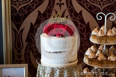 Candybar with tarts, chocolate, cakes, minicheesecake and other sweet thing. A special wedding. Chocolate Cakes, Tarts, Sweet, Flowers, Wedding, Mince Pies, Candy, Valentines Day Weddings, Pies