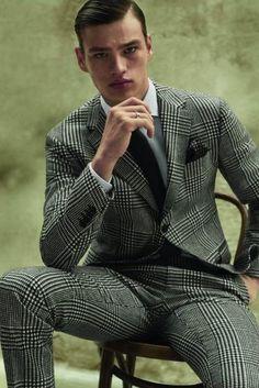 Men's suit fashion Filip Hrivnak embraces a classic houndstooth print in a Salvatore Ferragamo suit… Mens Fashion Suits, Mens Suits, Fashion Outfits, Male Fashion, Fashion Clothes, Sharp Dressed Man, Well Dressed Men, Gentleman Style, Stylish Men