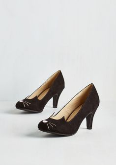 Mew and Me Forever Heel. Fetching, fierce, and infinitely adorable - thats how you describe these cute cat pumps from T.U.K.! #black #modcloth Cat Shoes, Sock Shoes, Shoes Heels, Bridesmaid Shoes, Vintage Heels, Retro Vintage, London Shoes, Creative Shoes, My Forever