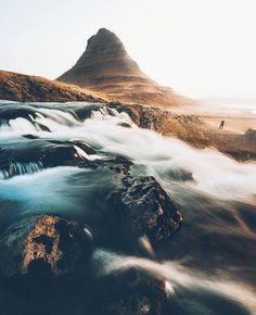 Mt. Kirkjufell, Snaefellsnes Peninsula, Iceland.