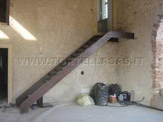 Risultati immagini per scale in acciaio per interni