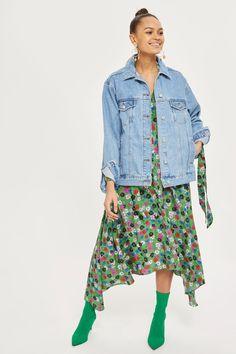62740f81355 MOTO Oversized Denim Jacket - Jackets  amp  Coats - Clothing - Topshop  Europe Petite Outfits