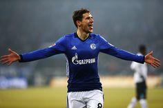 Leon Goretzka of Schalke celebrates scoring his teams second goal of the game during the Bundesliga match between FC Schalke 04 and Hertha Berliner Sport-Club at Veltins-Arena on February 11, 2017 in Gelsenkirchen, Germany.