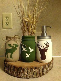 Mason jar crafts diy - Items similar to hunting mason jars on Etsy Mason Jar Projects, Mason Jar Crafts, Mason Jar Diy, Crafts In A Jar, Mason Jar Kitchen, Fall Mason Jars, Mason Jar Bathroom, Diy Crafts For Gifts, Painted Mason Jars