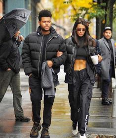 Do you listen to The Weeknd? Urban Aesthetic, Aesthetic Fashion, High Fashion, Winter Fashion, Style Fashion, Baskets, Hypebeast Women, Bella Hadid Style, Famous Couples
