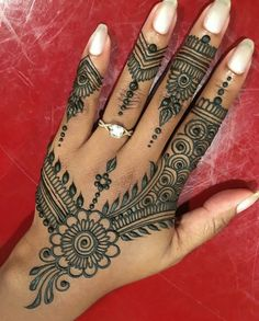 Hand ornament henna