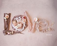 New Born Baby Photography Picture Description Newborn girl or Newborn boy, newborn, flowers, newborn photography - Visit my page for more photos . Foto Newborn, Newborn Shoot, Baby Girl Newborn, Newborn Pictures, Baby Pictures, Baby Photos, Newborn Girl Pictures, Newborn Photography Poses, Newborn Baby Photography