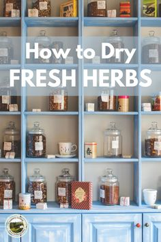 How to dry fresh herbs. Easy way to hang herbs to dry for use later on. Use dried herbs in cooking and baking recipes. #herbs #preserve #dehydrate Hanging Herbs, Shabby Chic, Frugal Tips, How To Better Yourself, Diy Bedroom Decor, Home Decor, Home Organization, Clean House, Feng Shui