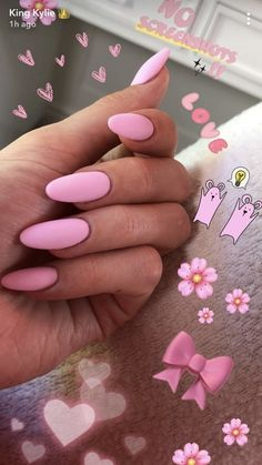 kylie jenner💗🌸🎀 hochgeladen von sofia auf We Heart It – Long nails – Coffin Nails Designs Kylie Jenner, Kylie Nails, My Nails, Khloe Kardashian Nails, Emoji Nails, Acrylic Nails Kylie Jenner, Almond Acrylic Nails, Cute Acrylic Nails, Matte Nails