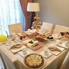 New Ideas Balkon Breakfast Presentation, Food Presentation, Brunch Mesa, Breakfast Platter, Turkish Breakfast, Ramadan Recipes, Xmas Food, Food Decoration, Food Platters