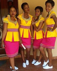 Dazzling South African Traditional Dresses For Women 2019 ShweShwe 1 African Print Dresses, African Dresses For Women, African Wear, African Attire, African Fashion Dresses, African Women, African Prints, African Beauty, Pedi Traditional Attire
