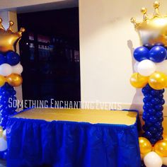 Crown balloon columns by the cake table