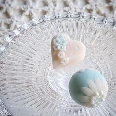 練り切り製『Tiffany』。 * * #ティファニー#Tiffany#Tiffanyblue#花#flowers#和菓子#wagashi#japan#japanesefood#lin_stagrammer #手作り#お菓子作り#ブライダル#スイーツ#おうちカフェ#sweets#foodpic#foodphotography #Instagram#Instagramjapan#instasweet#foodstagram#IgersJP#ファインダー越しの私の世界#暮らし