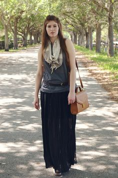 This maxi skirt and top looks like perfection on The Blue Curtain.