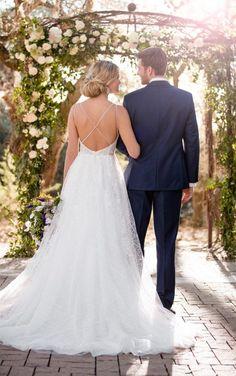Our Love Story: Essense of Australia's Fall 2017 Collection - Pretty Happy Love - Wedding Blog | Essense Designs Wedding Dresses