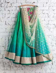 Lehenga Choli: Best Indian Lengha and Ghagra Choli Online Indian Lehenga, Red Lehenga, Lehenga Choli, Choli Dress, Sabyasachi, Indian Attire, Indian Ethnic Wear, Ethnic Fashion, Asian Fashion