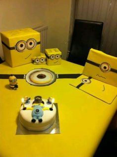 Love the minion box idea for Gift cards and Birthday cards.