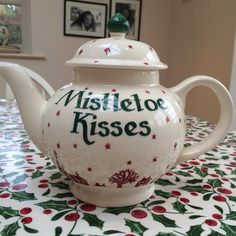 Emma Bridgewater Christmas Town Personalised Four Cup Teapot