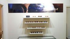 Interior  Rínivi Ópticos. Expositor: Gafas de Sol