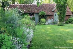Discover recipes, home ideas, style inspiration and other ideas to try. French Cottage Garden, Garden Online, Growing Gardens, Bloom Where You Are Planted, Green Garden, Garden Inspiration, Vegetable Garden, Outdoor Spaces, Outdoor Gardens