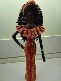 ARTE EM TECIDO: BONECAS AFRICANAS E BAIANAS