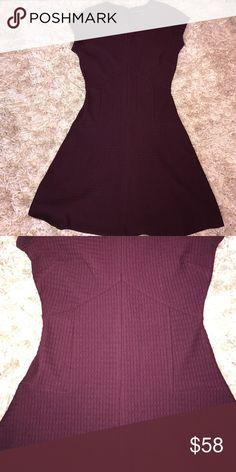 Short Maroon Dress (Banana Republic) Banana Republic Maroon dress // Never worn // no trades :) Banana Republic Dresses