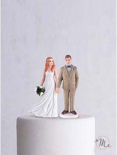 Cake topper Sposi boho chic. Romantico, originale e personalizzabile. In porcellana dipinta a mano, questo cake topper appartiene all'esclusiva collezione Weddingstar. Misure: h 14.5 cm. Personalizzazione Gratis! #caketopper #cake #topper #wedding #matrimonio #weddingideas #ideasforwedding #figurastartanuptcial #hochzeitcaketopper #weddingday