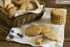 Galletas completas, con harina integral y avena Cookies, Sin Gluten, Healthy Recipes, Healthy Meals, Healthy Food, Biscuits, Muffin, Veggies, Favorite Recipes