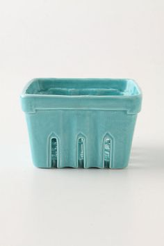 Stoneware berry basket.  <3  $14.00