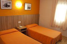 Habitación Estándar (ubicadas en el edificio más antiguo del hotel, éstas habitaciones han sido reformadas y se ha renovado el mobiliario) - Hotel Marvel Condes del Pallars***